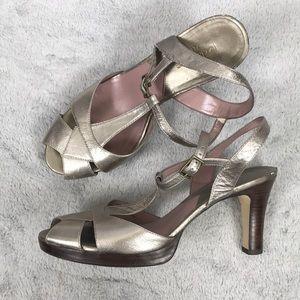 LIZ CLAIBORNE silver leather t strap sandal